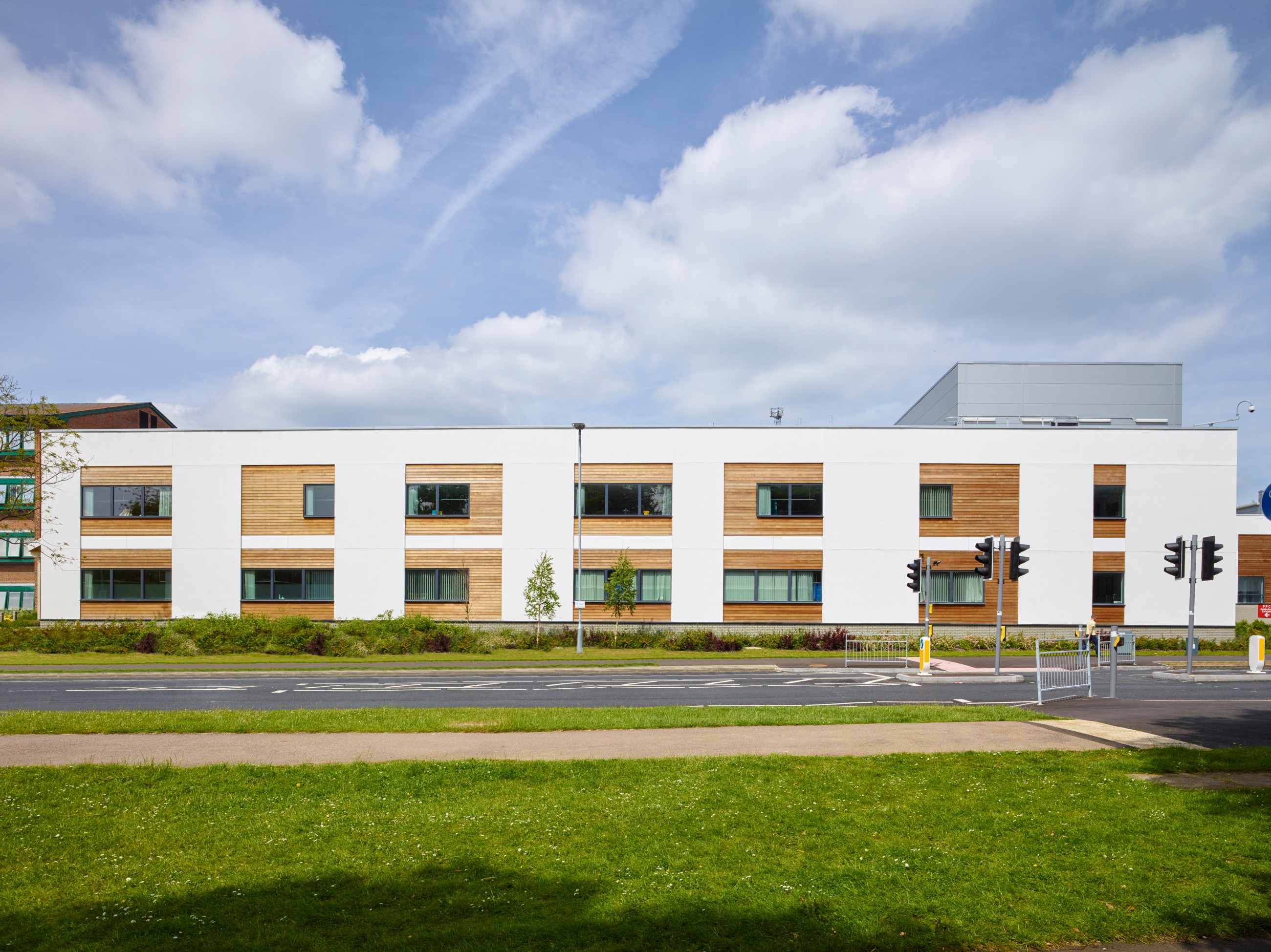 Ward block and coronary care unit ad architects for Ad architects