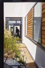 Lister Hospital ED Courtyard